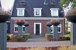 Bedrijfstuin in Waddinxveen door Ernst Baas Hoveniers