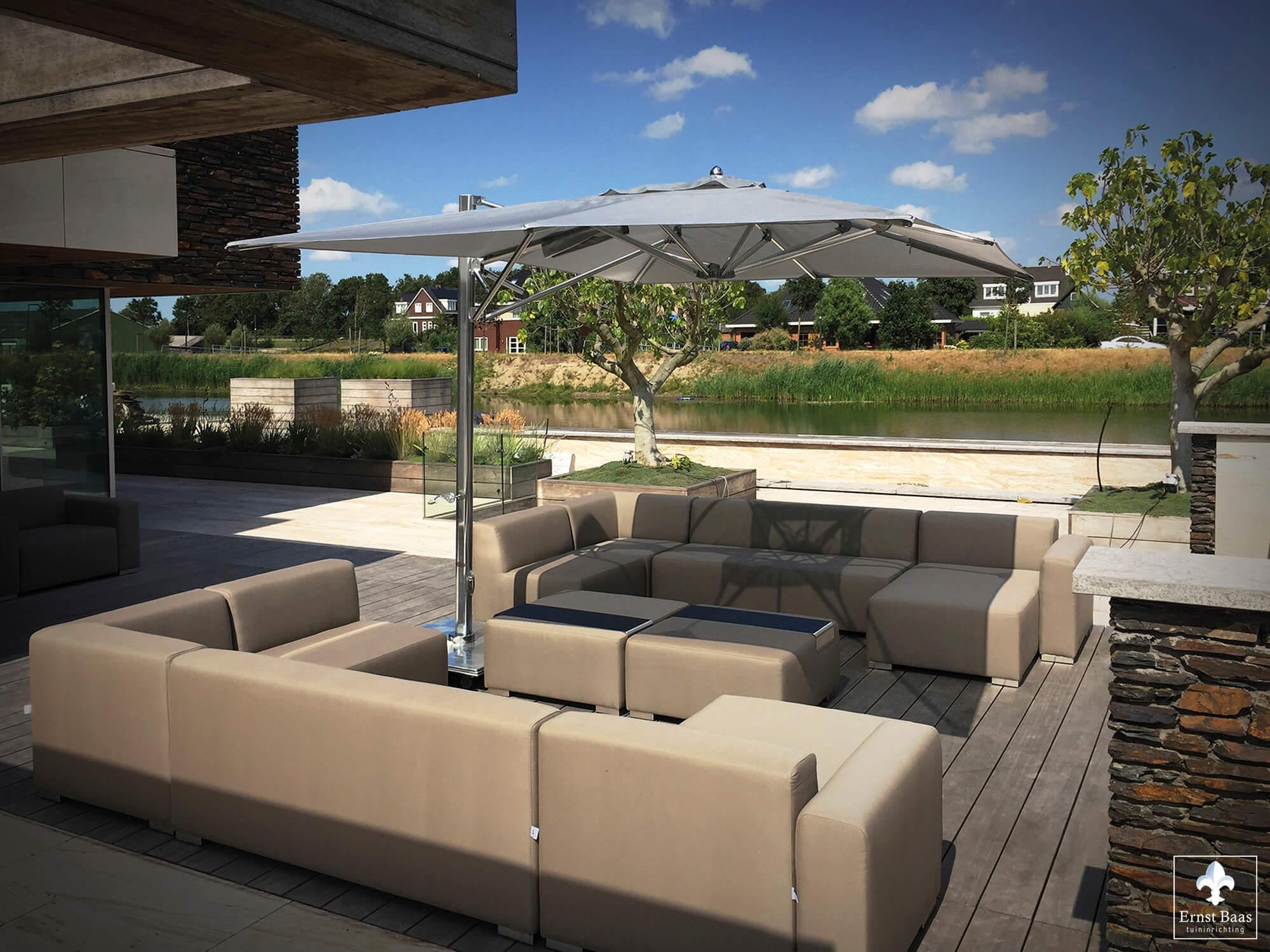 Tuininrichting ernst baas hoveniersbedrijf in waddinxveen - Moderne hoek lounge ...